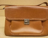 Generic Handbag 13in x 9in x 6in Leather Female Adult  Tan Solid 49-57k