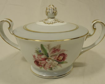 Noritake 5049 Vintage Sugar Bowl with Lid 7 1/2in x 5in x 5in China Gold Rim