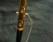 Inlay Puppydog Paws Gatsby Twist Pen Walnut and Curly Maple