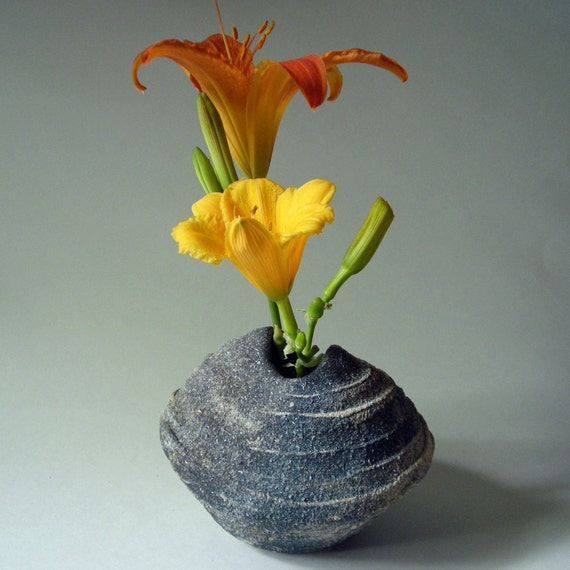 blue gray ikebana vase with ridges