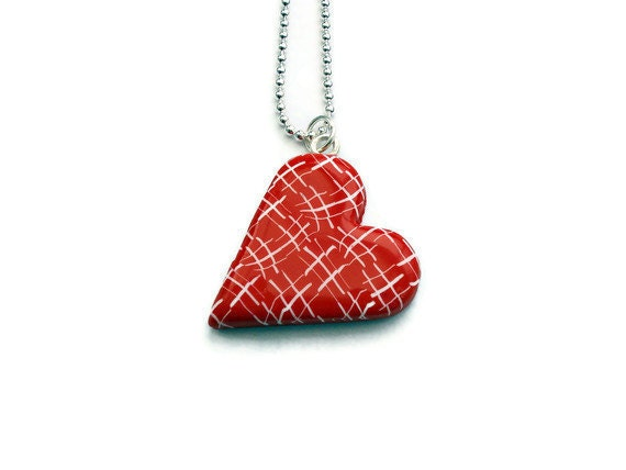 Heart pendant - red and white chequered