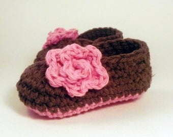 NEW BABY GIFT crochet Rose baby booties - chocolate brown and pink