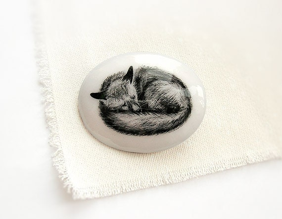 Animal Brooch Sleeping Fox, black white, miniature, hand painting, animal jewelry, woodland, fox brooch, circle oval pin