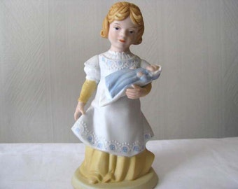 Mothers Day - Avon collectible - A Mothers Love - Vintage 1981
