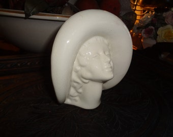 Darling girl in a straw hat head vase, 5 1/2 inches tall...
