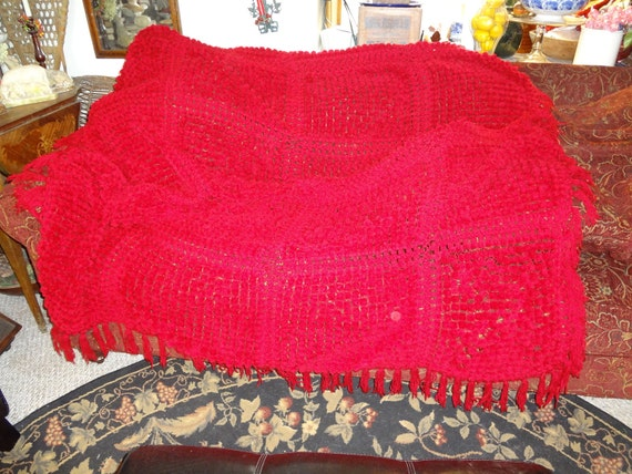NEW SALE PRICE 25.00......Stunning chenille pom pom bedspread coverlet in candy apple red....64 x 84 inches