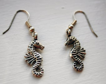 Seahorse earrings - silver (POC02S)  3D, double sided, 3 D sea horse