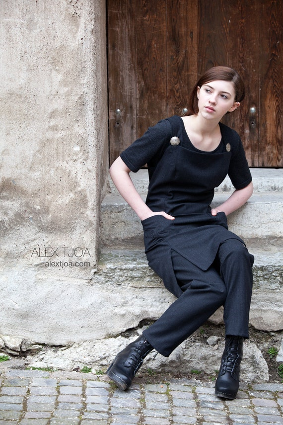 Strap dress Torunn and pants Avair from The Viking Collection.