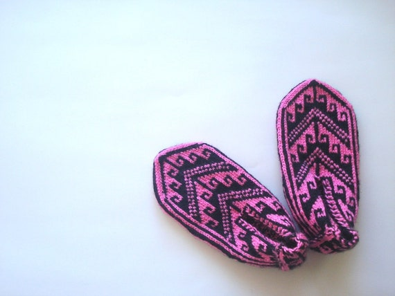 Pink & Black Turkish traditional Handmade Knitting Socks / Slippers, booties, knitted home shoes, womens slippers, house shoes