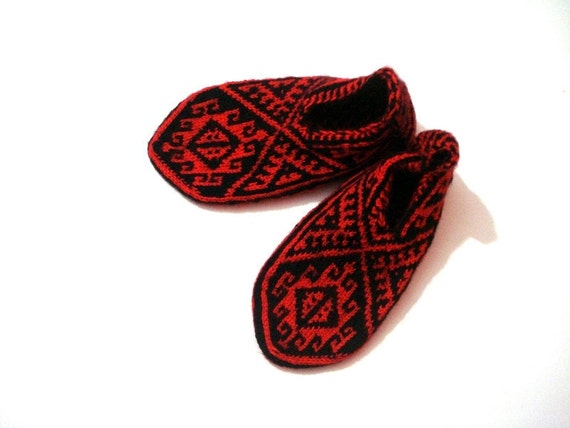 Knitting Gifts For Adults : Knit socks womens slippers mothers day gifts by anatoliadreams