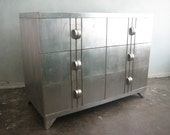 Silver leaf 1930s Art Deco chest of drawers with woodedn pulls