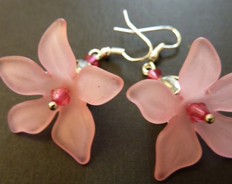 Flower earrings pale pink large lucite flower fun earrings