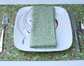 Cloth Placemats- Dogwoods on Green- Reversible- Cotton- Set of 4
