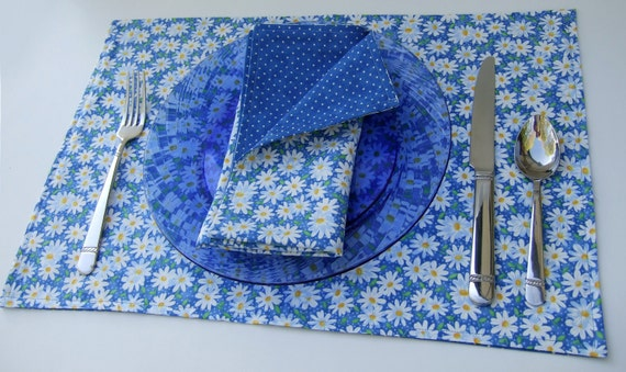 Cloth Placemats- Daisies and Dots in Blue- Reversible- Cotton- Set of 4