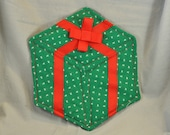 Quilted present wall hanging ornament decoration
