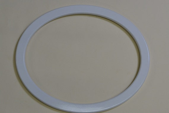 White Painted Oval Frame for Stained Glass or Mosaic
