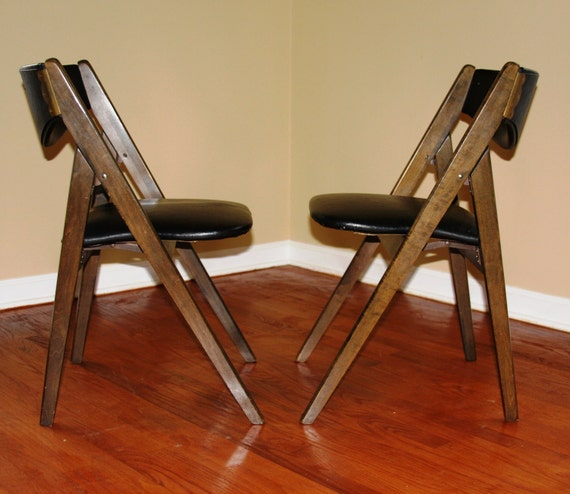 Mid Century Modern Furniture Chair: Pair Of Mid-Century Modern Folding Chairs