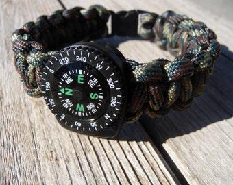 Paracord Survival Bracelet with Liquid Compass