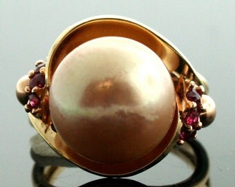 Vintage 14k Rose Gold Apricot South Sea Pearl and Ruby Ring