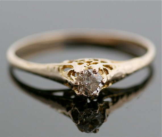 Antique Diamond Ring - Yellow Gold and Diamond Ring