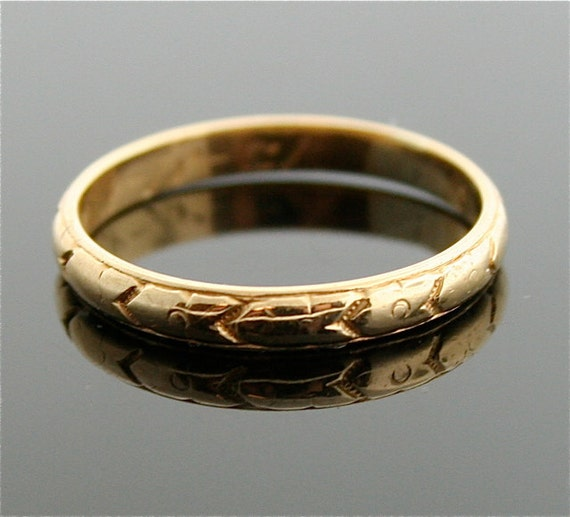 1920s Gold Etched Wedding Band