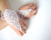 White Wedding Gloves, Sparkling Stones, Lace Wedding Accessory, Bridal accessory, Fingerless Gloves, White