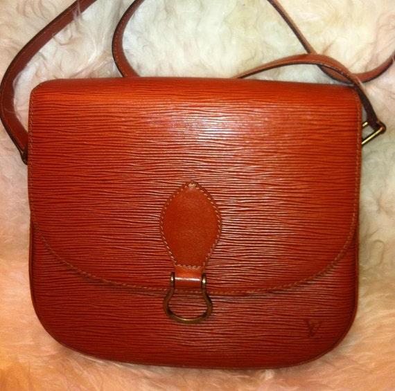 Vintage Louis Vuitton epi shoulder purse. Rare color of Brown