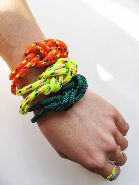 Chunky Bracelet - Figure 8 knot with Carabiner - Orange