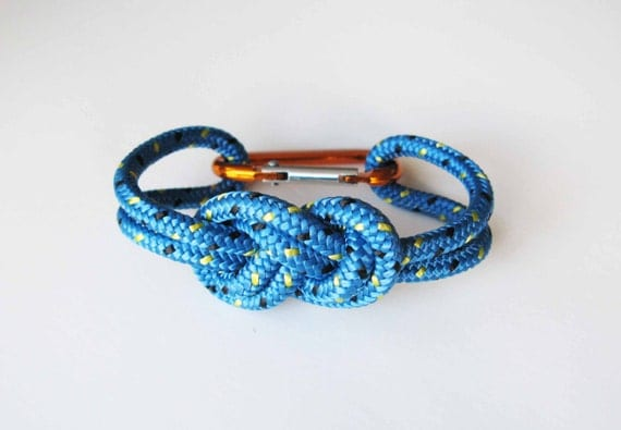 Chunky Bracelet - Figure 8 knot with Carabiner - Light Blue