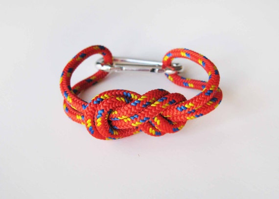 Chunky Bracelet - Figure 8 knot with Carabiner - Red
