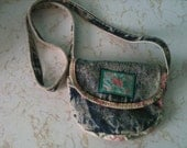Vintage 1980s small Cherokee acid washed denim & floral purse