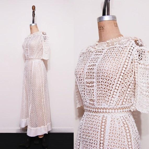 Edwardian lawn dress. White cutout 1910s day dress.