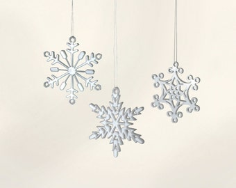 Small White Acrylic Snowflake Ornaments with Gift Box, set of 6