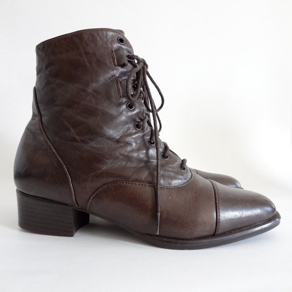 brown ankle boots 5.5  / lace up granny boots / brown leather / grunge boots / victorian / steampunk / women shoes 5.5