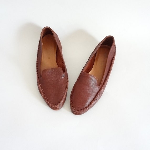 shoes 8.5 / brown leather moccasin flats / brazil / womens shoes 8.5