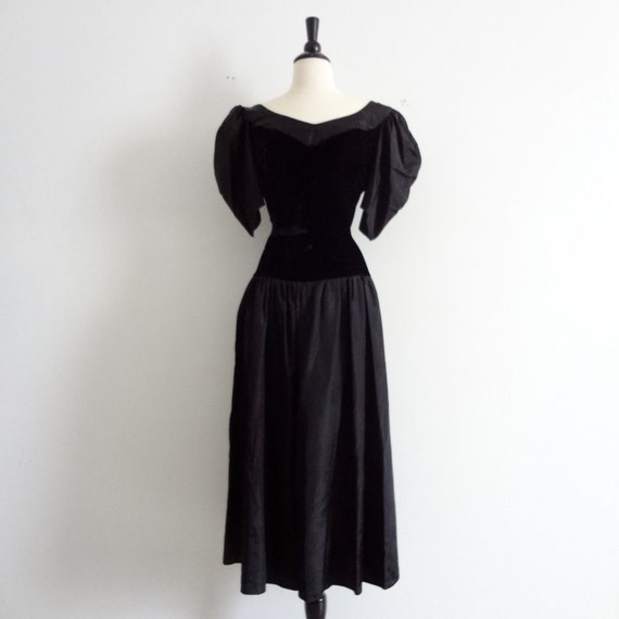 Plus size velvet dress pictures