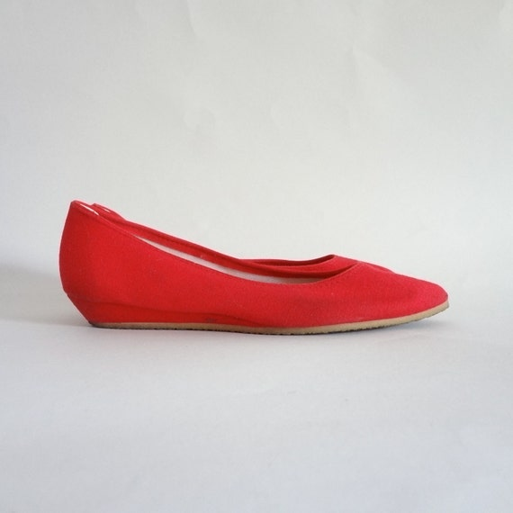shoes 6.5 / red canvas wedges / 80s skimmers / red flats / womens shoes 6.5