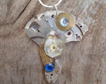 the quartz steampunk necklace