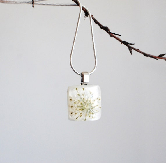 Petite Flower Necklace Resin Jewelry Tiny White Pendant  - White Queen Anne's Lace - Silver