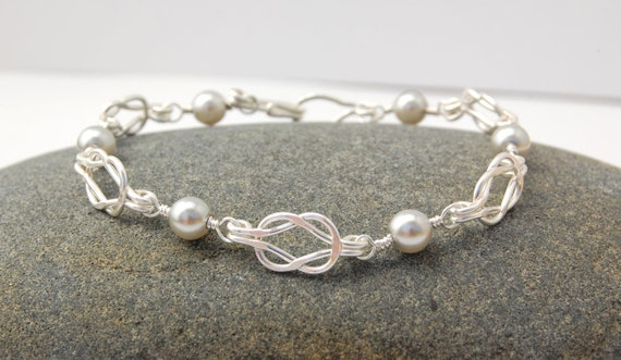 Silver Knot Bracelet with Gray Pearls - Wedding Bridesmaid Bridal Bracelet - Tie The Knot