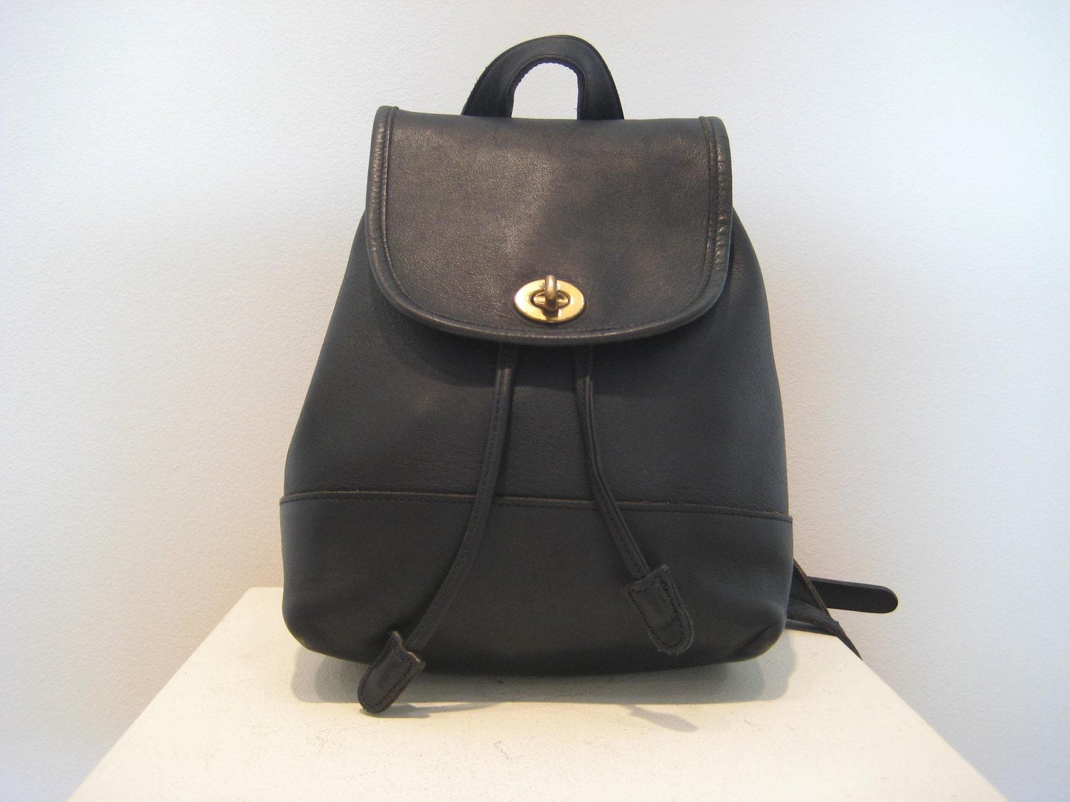 Shop Black Backpack Handbags at eBags - experts in bags and accessories since We offer easy returns, expert advice, and millions of customer reviews.