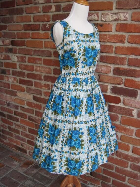 Vintage Blue Rose pleated dress- Medium