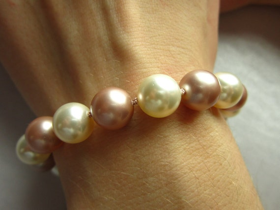 Blush and Cream Pearl Bracelet - Wedding, Bridesmaid, Bride, For Her, Mother of the Bride, Anniversary, Gift For Her, Gifts Under 50