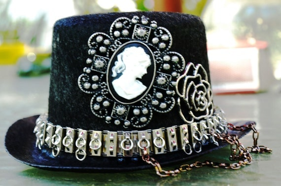 Steel Silhouette -A black miniature steampunk hat