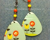 Up cycled gift card flower earrings