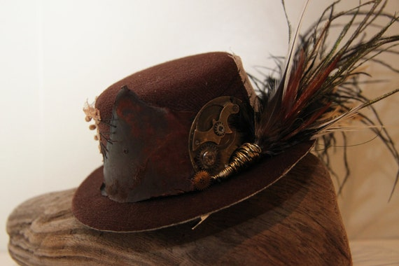 Steampunk cog and feather brown mini top hat fascinator