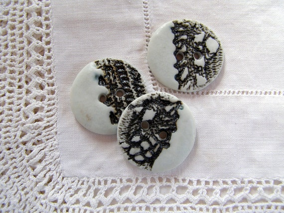 Black and White Buttons.XL Sewing Buttons.Ceramic Buttons.