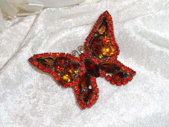 Reserved for Alecki )Vintage Decadent Red Weiss Brooch  1786ag-040810000