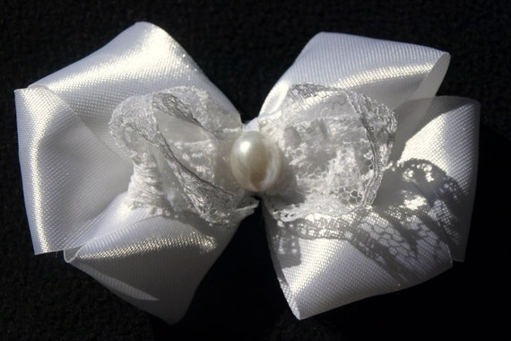 white lace and pearl hair bow