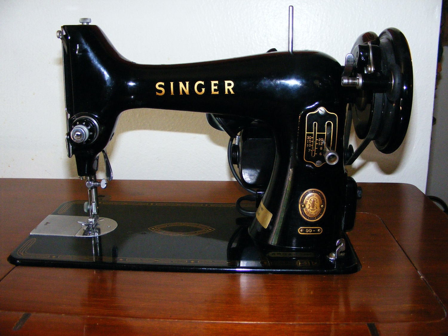 1955 Singer Model 99 Sewing Machine Immaculate